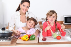 10 Tips on Mom's Diet to Help Prevent Obesity in Their Children